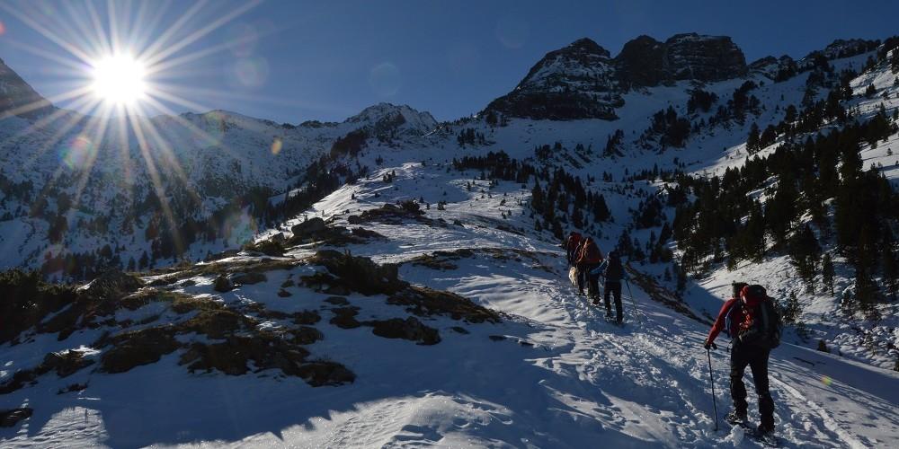 Raquetas de nieve en pirineo